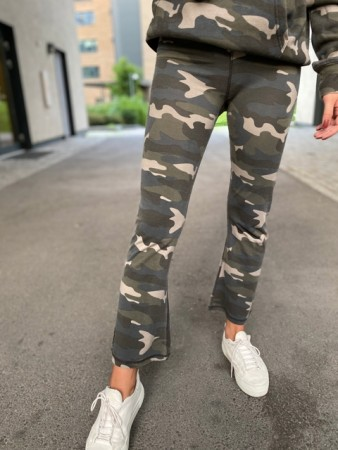 Ragdoll LA - Cropped Leggings Camo