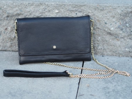 Et Black Day It Cross Body