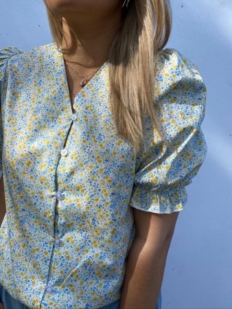 Noella Venice Blouse, Cotton Polin Yellow/blue Flower