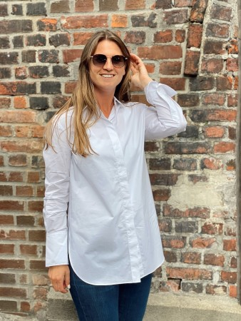 Second Female White Alyssum Larkin Classic Shirt
