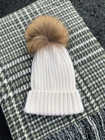 Hollies Pom Pom Classic Hat  White/natural Racoonn